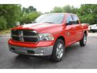 Used 2019 RAM 1500 Bighorn Crew Cab SWB 4WD in Mt. Sterling, OH