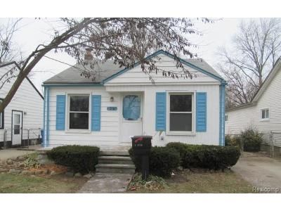 2 Bed 1 Bath Foreclosure Property in Dearborn Heights, MI 48125 - Pennie St