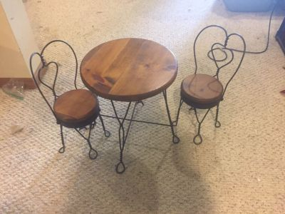 Table and chairs for American girl doll