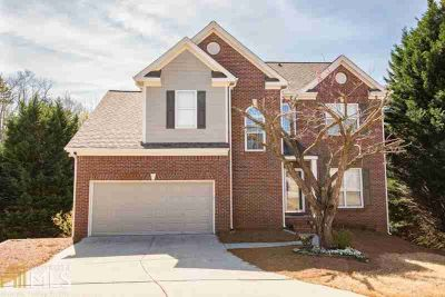 3536 Castle View Ct Suwanee, Five BR 3.5 BA Brick home Finished