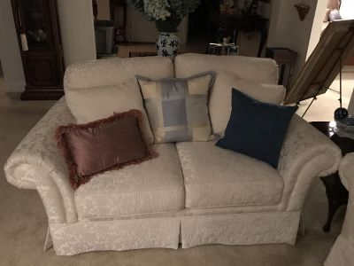 Beautiful white sofa/loveseat set- excellent condition