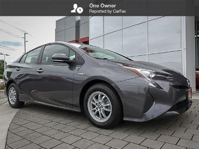 2016 Toyota Prius (Magnetic Gray Metallic)