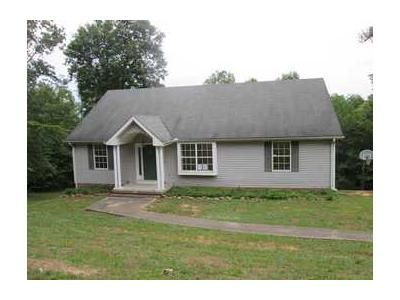 3 Bed 2 Bath Foreclosure Property in Etowah, TN 37331 - Texas Ave