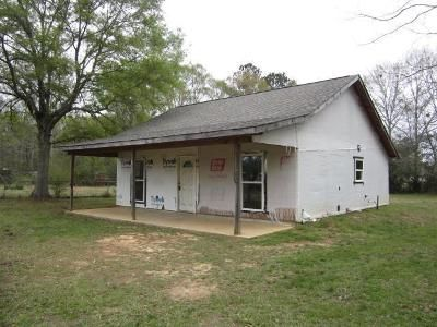 2 Bed 1 Bath Foreclosure Property in Picayune, MS 39466 - Sanford And Sons Rd