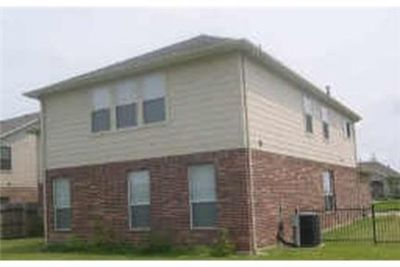 This rental is a Sugar Land apartment Meadow Canyon.