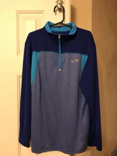Champion lightweight duo dry pullover for boys. Size medium (8-10). No picks. Like new condition. Porch pickup.
