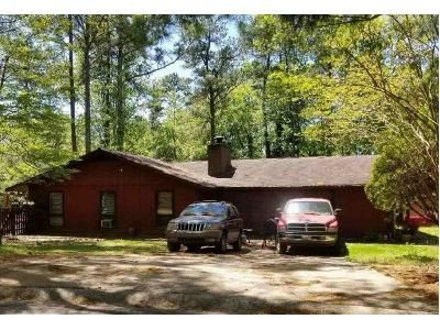 3 Bed 3 Bath Foreclosure Property in Stone Mountain, GA 30088 - Greenpoint Dr