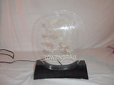 lowenbrau lucite vintage desk top light up beer bar sign great condition 30390