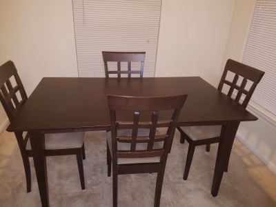 Dining Room Table with 4 Chairs