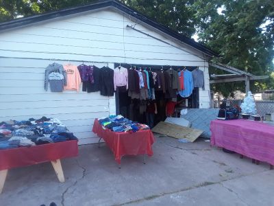Garage sale today 1 and 2 dolar