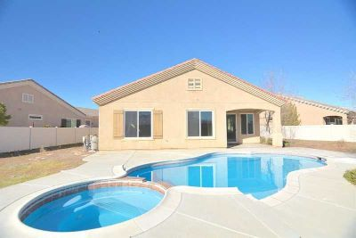 10029 Redstone Road APPLE VALLEY Three BR, * EXTREMELY RARE!
