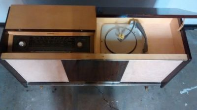 VINTAGE 1960's DELMONICO/KURTING CONSOLE STEREO.