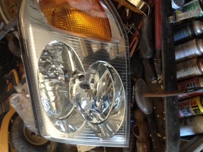 2002 envoy l headlight