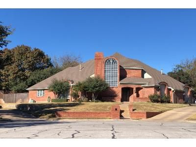 5 Bed 3.0 Bath Preforeclosure Property in Bedford, TX 76021 - Brookside Dr
