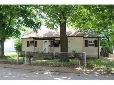 2 Bed 1 Bath Foreclosure Property in Evansville, IN 47711 - N Fares Ave
