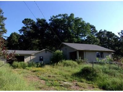3 Bed 2 Bath Foreclosure Property in Russellville, AR 72802 - Duvall Rd