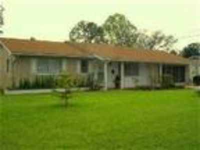 Deltona FL Pool Home - House
