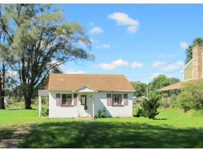 2 Bed 1 Bath Foreclosure Property in Streator, IL 61364 - S Bloomington St