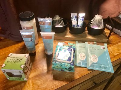LARGE LOT OF NEW PAMPERING/BATH/RELAXATION PRODUCTS