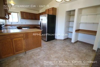 Top floor 3 Bedroom apartment with washer/dryer! All utilities included!!