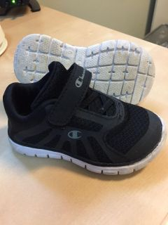 Toddler boys 6c Champion sneakers