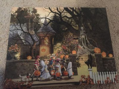 Small trick or treat painting nwt