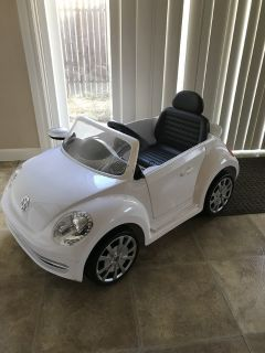 Toddler battery ride on car
