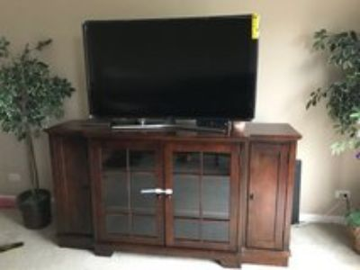 tall brown tv stand with 55 curved Samsung tv brand new