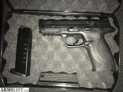 For Sale: S&W M&P 40