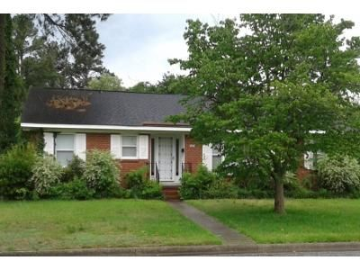 3 Bed 1.0 Bath Preforeclosure Property in Lumberton, NC 28358 - W 23rd St
