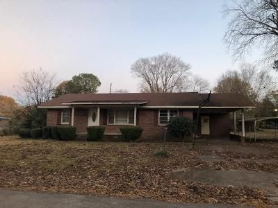 3 Bed 2 Bath Foreclosure Property in Baldwyn, MS 38824 - Park St