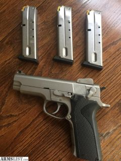 Want To Buy: Smith & Wesson Model 4006/411/4003 Magazine.40 S&W Caliber