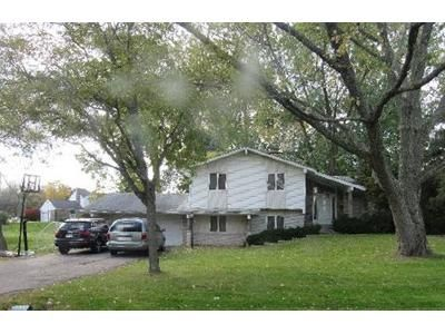 3 Bed 2.5 Bath Foreclosure Property in West Bloomfield, MI 48323 - Pocono Dr