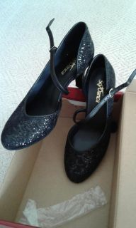 So Danca Dance Shoes - NEVER USED - Size 7