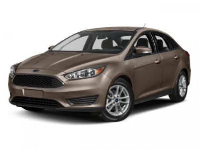 2018 Ford Focus SE (White Gold Metallic)