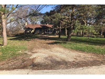 3 Bed 1 Bath Foreclosure Property in Sussex, WI 53089 - N6063 Pewaukee Rd