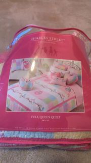 Full/ queen quilt- w 2 pillow case