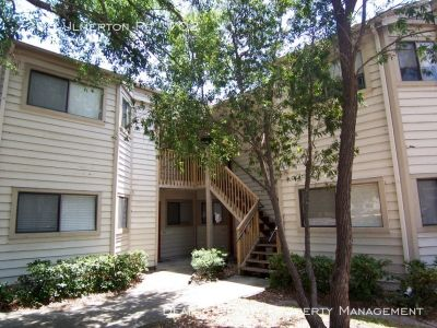 Renovated 2/1 Condo with Private Patio Space - Pool, Pond, Parking