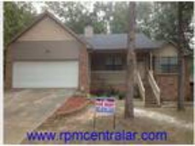 25 Lariat Ct., Little Rock AR 72211 - Nice WLR Three BR Two BA home in low traff