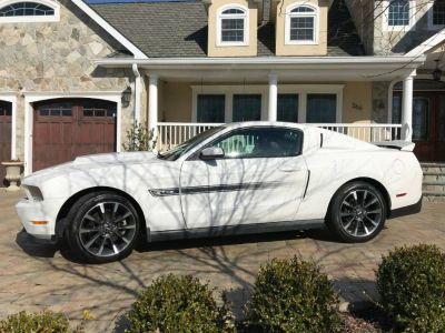 2011 Ford Mustang GT (Performance White)