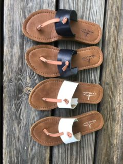 Size 1 youth sandals $7 each like new