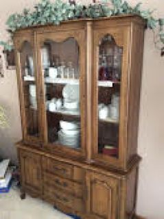 Table and Hutch Set