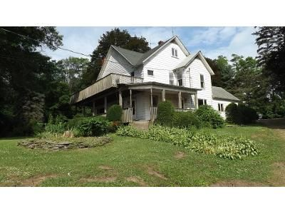 5 Bed 2 Bath Foreclosure Property in Montrose, PA 18801 - State Route 706