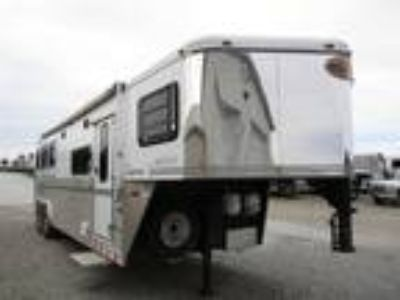 2006 Sundowner Trailers 8310 Signature Series Living Quarters 3 horses