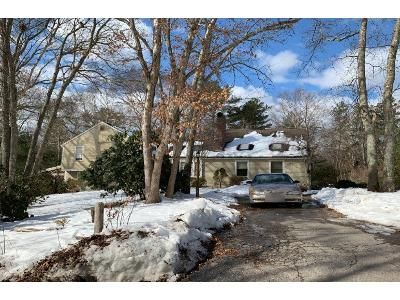 4 Bed 2 Bath Preforeclosure Property in Plymouth, MA 02360 - W Pond Rd