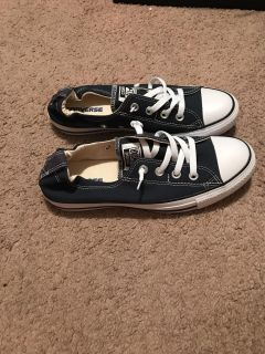 Brand New Never Worn Size 9 Converse