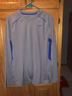 Nike Dry fit like new !