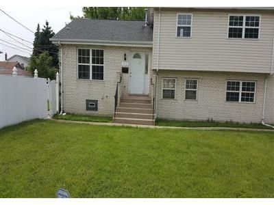 3 Bed 2.1 Bath Foreclosure Property in Calumet City, IL 60409 - Wentworth Ave