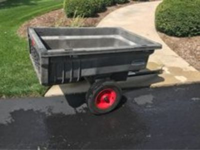 Rubbermaid Trailer for lawn tractor