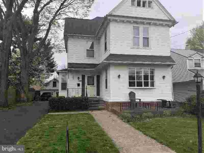 23 N Linden Ave HATBORO Six BR, Large 3 Story Victorian